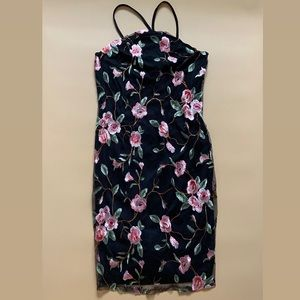 NWT! Lace Floral Embroider Detail Dress